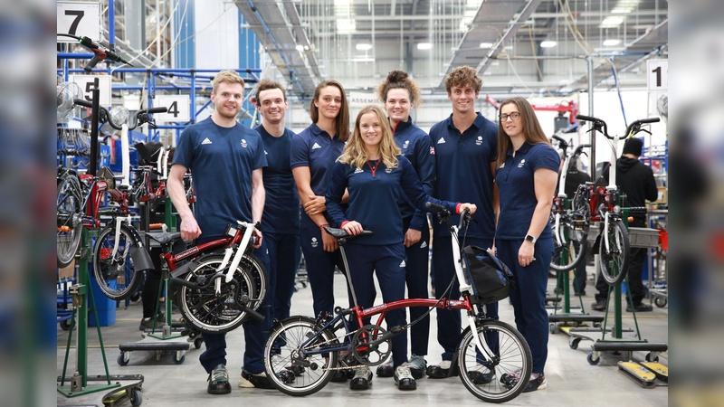 Mitglieder des britischen Olympia-Teams besuchten die Produktion von Brompton.
