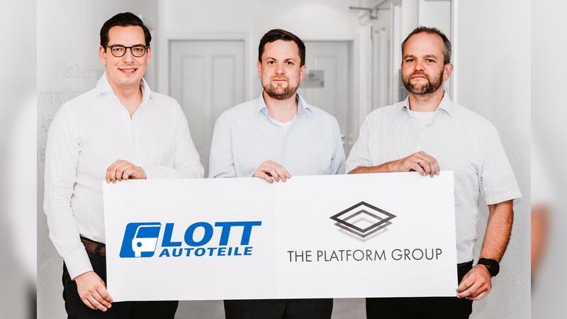 Dr. Dominik Benner (The Platform Group) mit Alexander und Carsten Lott (v.l.)