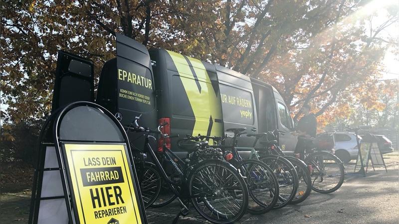 Die schwarz-gelben Vans touren künftig auch durch Düsseldorf.