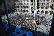 Der Marienplatz vor dem Müchner Rathaus war fest in der Hand der Biker