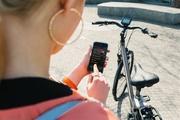 Für die Navigationsfunktion setzt Derby auf eine Smartphone-App, die sich per Bluetooth mit dem Display koppelt.