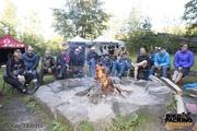 Diskutieren am Lagerfeuer beim ersten Bikepacking-Barcamp