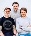 Geht neue Wege: Christoph Listmann (mitte) mit Henri Lesewitz (links) und Peter Nilges