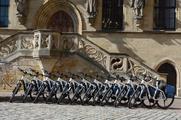 In Reih und Glied: Neue E-Bike-Flotte für die Polizei
