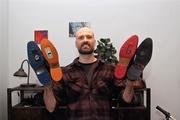 Bärs Leipziger Schuh-Manufaktur schafft die feste Verbindung zwischen individueller Schuhmode und dem Fahrrad.